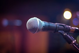 microphone-1261793__180